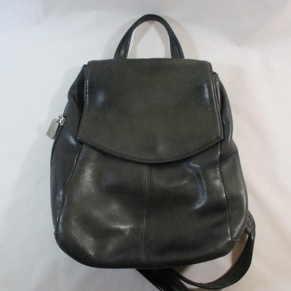 c2672f4759b Tignanello Black Leather Backpack Purse. M 5baa081a409c1577413a8dd3
